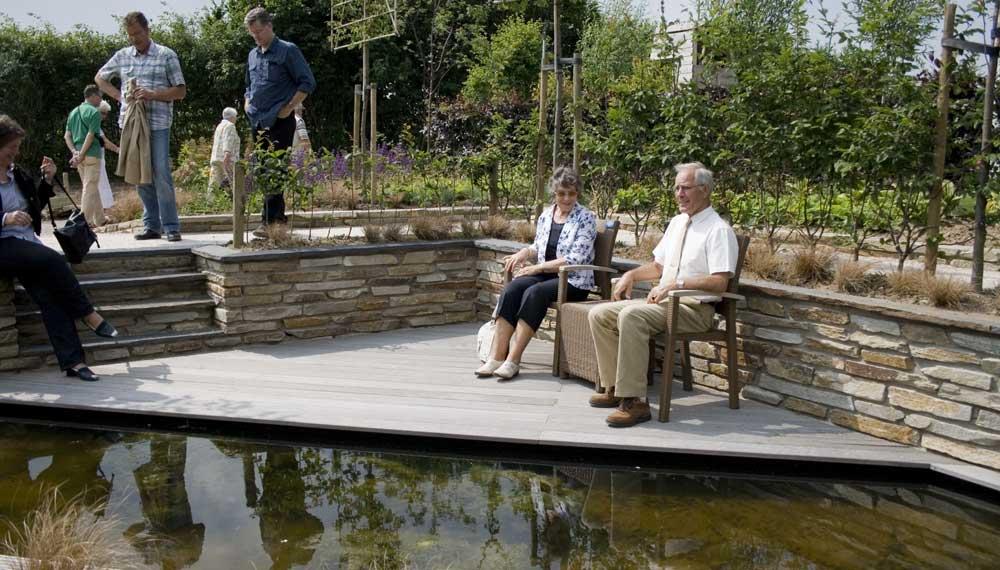 terras in expositie tuin