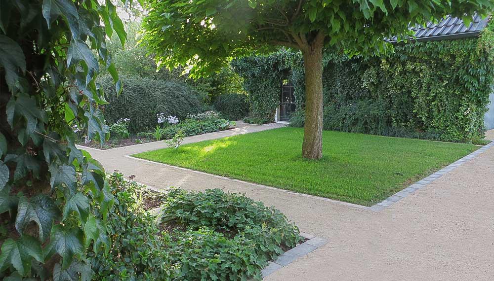 Viller the Garden Entrance Court